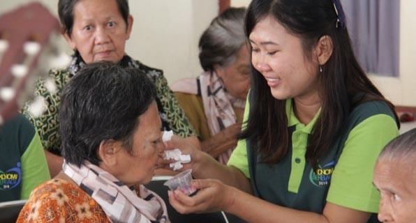 Dịch Vụ Tìm Người Chăm Sóc Người Già Và Người Bệnh